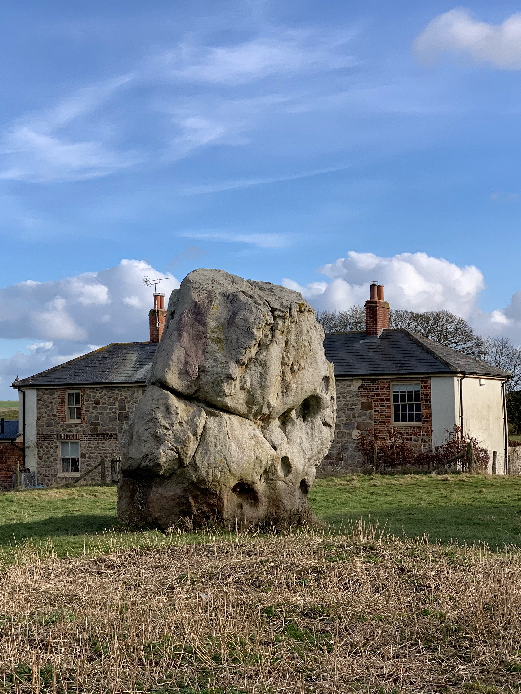 A History and Brief Guide to Avebury Manor