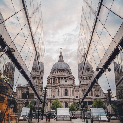 20+ Insider London Travel Tips You Need to Know Before Visiting for the first time. Looking for where to go, what to see, and where to stay in London? Here's a complete guide by a local!